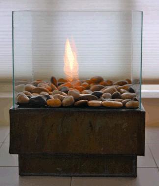 Камин сделанный из стекла