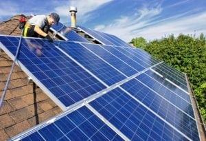 Устанавливаем солнечные батареи