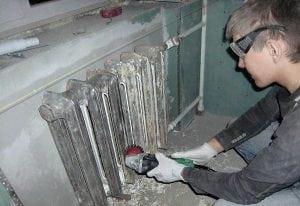 Очистка радиатора от старой краски и ржавчины